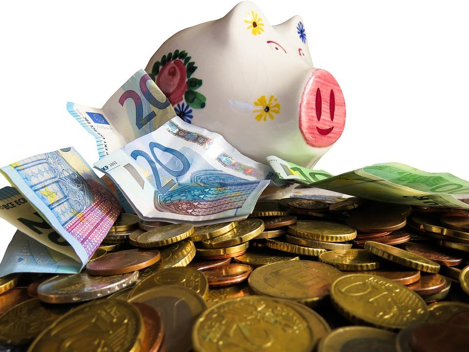 1530755404_money-3090724_960_720.jpg
